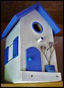 Vogelhuisje, nestkastje hout_nestkastje wit 9_Azuurblauw_dak_deur_ramen_bloempot