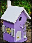 Vogelhuisje,nestkastje hout_Lavendel tinten 1_paars_dak wit_deur wit