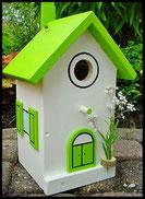Vogelhuisje, nestkastje hout_nestkastje wit 11_Appelgroen_dak_deur_ramen_bloempot
