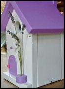 Vogelhuisje, nestkastje hout_nestkastje wit 24_Lavendel_dak_deur_ramen_bloempot