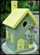 Vogelhuisje,nestkastje hout_nestkastje Toscane 1_Toscane_dak en deur lichtgeel