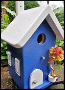 Vogelhuisje,nestkastje hout_nestkastje Donkerblauw_dak en deur wit