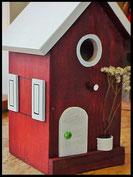 Vogelhuisje,nestkastje hout_Chocolade 4_donkerbruin_dak wit_deur wit