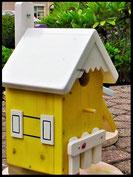 Vogelhuisje,nestkastje hout_Droom in Geel 4_geel_dak wit_hekje wit