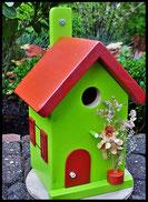 Vogelhuisje,nestkastje hout_nestkastje Appelgroen_rood dak en rood deur
