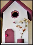 Vogelhuisje, nestkastje hout_nestkastje wit 18_Mauve_dak_deur_ramen_bloempot