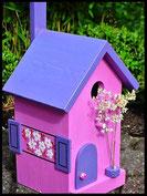 Vogelhuisje,nestkastje hout_Lavendel tinten 2_pink_dak blauw_deur blauw