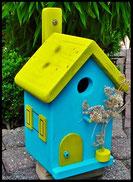 Vogelhuisje,nestkastje hout_nestkastje Lichtblauw_dak geel_deur geel_ramen geel