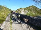 Le Pont médiéval en bas de Hecho.