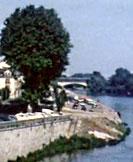 Les bords de Loire dédiés au stationnement avant la réhabilitation