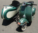 Scooter Vespa avec side-car