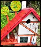 Houten nestkastjes -Vakwerk huisje, pindakaas pot houder