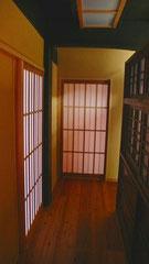 廊下 建具・食器棚