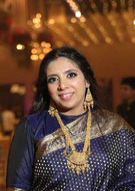 yoga a Tours avec Priti Bhati, professeur formée en Inde - annuaire via energetica