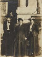 Ray Costelloe, Anna Howard Smith, Ellie Rendel, um 1909