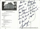 La pianiste Anastasya Terenkova remercie Alain Genestoux pour les couleurs du piano de concert Steinway au Château Dassault à Saint Emilion en Gironde le 9 décembre 2016