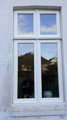 Merantifenster im Altbau mit Stilelementen
