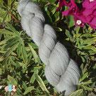 artisanat, magasin de laine, vente de laine, laine à tricoter, pelote de laine, laine locale, laine pour tricoter, laine artisanale, couleur naturelle, soie, mérinos, bonnet, chaussette, teinture textile, chale