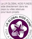 """Le LR Global Kids Fund offre un soutien financier en France pour les projets d'aide aux enfants français de """"Un regard, enfant de l'ONU"""" par la construction d'écoles et d'orphelinats pour les enfants"""