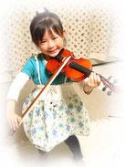 バイオリンを弾く子供画像