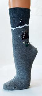 5012 Socken mit Steinbock und Rucksack Motiv