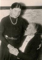 Toni Wohlgemuth & Frieda Radel (r.) 1947