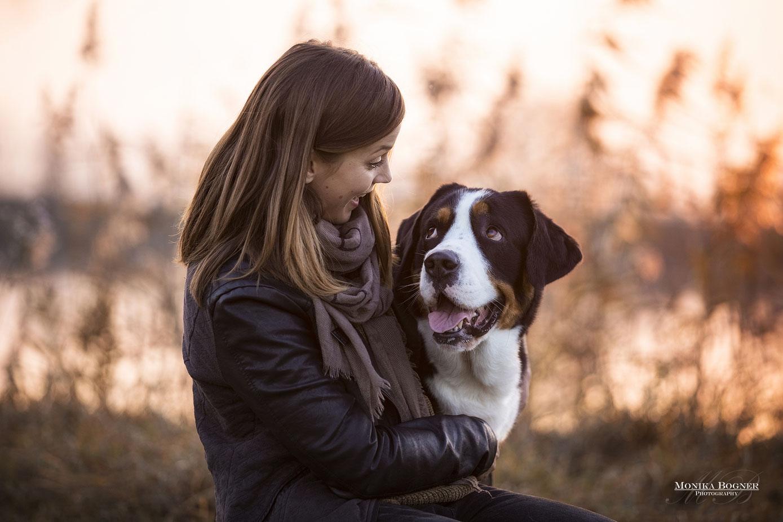 Hundeshooting mit Mensch im Winter