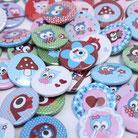 Vogel, Vögel, Eule, Eulen, Herz, Herzen, Glückspilz, Pilz, Fliegenpilz, Blume, Reh, Rehlein, Bambi, Button, Anstecker, Motivbutton