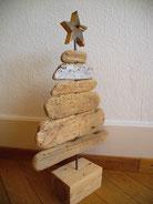 Weihnachtsbäume aus Treibholz/ Altholz