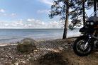 Mit dem Motorrad direkt bis an den Strand. Mehr Romantik geht nicht!