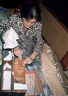 松井本和蝋燭工房の芯巻き