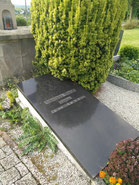 Grabstätte Kaplan Staudt (Friedhof Bruschied)