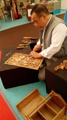oosterse houtsnijwerk, Oosterse meubels