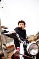 バイクに乗る男性のイメージ3