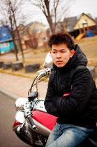 バイクに乗る男性のイメージ4