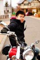 バイクに乗る男性のイメージ2