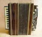 accordéon namurois joué par un musicien de la région de Mettet