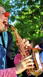 Clown mit Saxophon