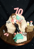 Ladies arm chair cake