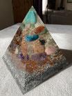 Pyramide Orgonite Création Personnalisée