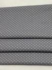 Grau mit Punkten