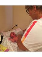 De verzorging van de baby op preffesionele maar ook liefdevolle manier uitgevoerd.