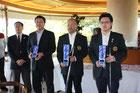 左より高橋会長、相田選手、小林選手、白戸選手
