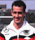 Pierre Littbarski, dianteiro alemán.