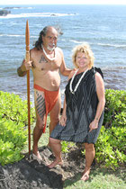 Kahu und Noelani Naone - Academy of Aloha