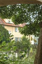 Blick durch den Torbogen auf Johann-Jürgen-Str. 7