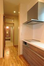 キッチン←→脱衣室←→風呂