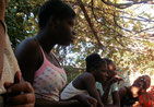 avec les jeunes filles
