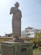羅睺羅尊者の像