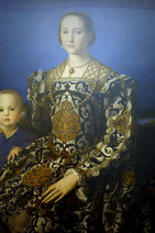 Angolo Tori, called Bronzino, Portrait of Grand Duchess Eleonora of Toledo and her Son Giovanni, ca. 1545, Galleria degli Uffizi, Firenze. picture taken by Nina Möller - Italian Renaissance fashion dress